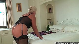 Chubby black granny rides on two guys - Brazzers porno