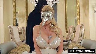Kelly Madison picks up bbc - Brazzers porno