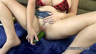 Brunette milf fucks bbc - Brazzers porno