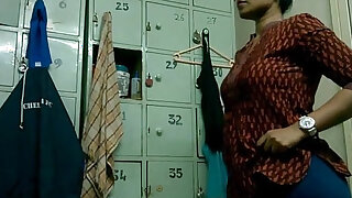 Indian Girl Lily Changing Dress In Gym Changing Room - Brazzers porno