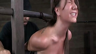 Bondage device makes her immobilized - Brazzers porno