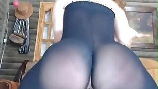twerking on broken pantyhose - Brazzers porno