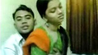 Desi Indian Girl sucking Fucking - Brazzers porno
