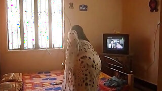 busty indian aunty changing saree - Brazzers porno