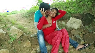 Village Aunty With Neighbour In Outdoor Latest Telugu Romantic Short - Brazzers porno