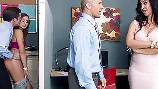 Stepmom Catches Her Stepdaughter Fucking a Co Worker Ariana Marie Isis Love - Brazzers porno