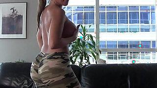 Alexis Rain in her sexy yoga pants - Brazzers porno
