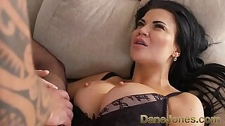Sexy realc amateur bbw in fishnets swallows HUGE cock - Brazzers porno