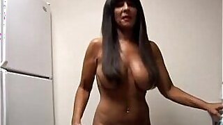 amateur busty cougar fucks her old man - Brazzers porno