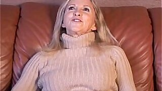 Cute Girl inside Of Her Own Pussy - Brazzers porno