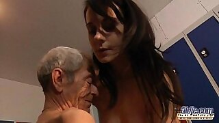 Wild Young Kene Davis Has Fun! - Brazzers porno