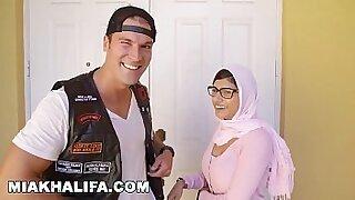 MIA KHALIFA In Hollywood Sessions - Brazzers porno