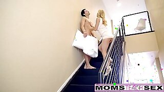 milf giving hot cream pie to sons exercise session - Brazzers porno